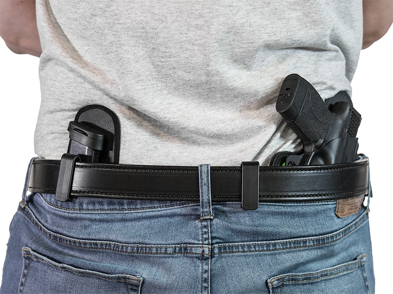 using iwb holster